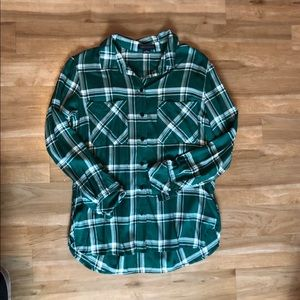 💚NWOT plaid button down💚